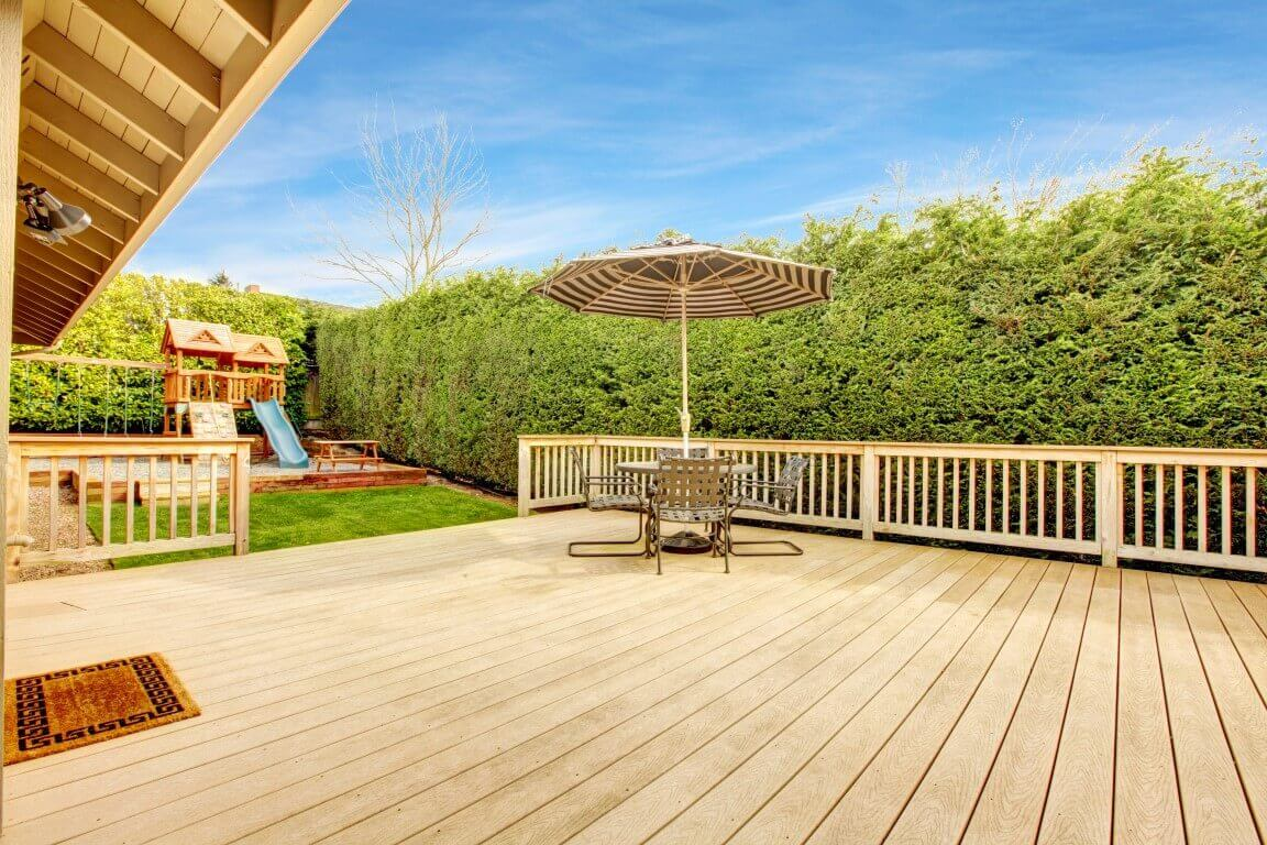 Backyard Decking in Ballwin Missouri